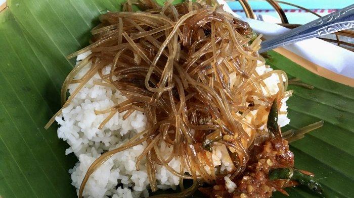 Mencicipi Nasi Soon Bu Roso yang Ludes Terjual Dalam Waktu 2 Jam