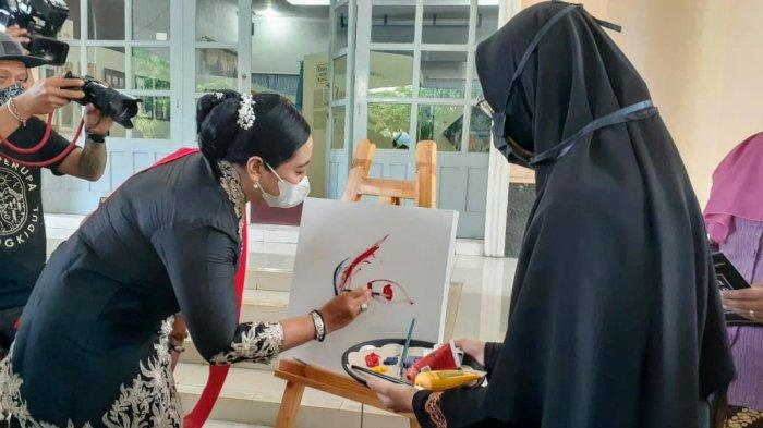 Angkat Potensi Lokal, Komunitas Perupa Perempuan Gunungkidul Gelar Pameran Seni