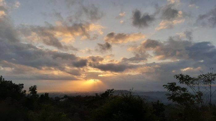 Spot Sunrise Punthuk Setumbu Kembali Dibuka dengan Protokol Kesehatan