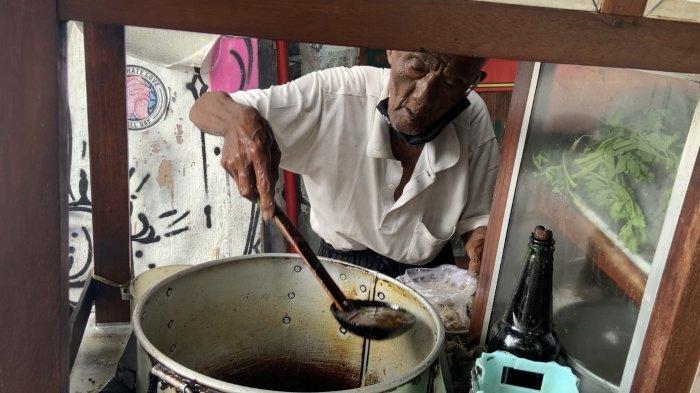 Soto Lenthok Mbah Narkan, Legenda Sejak 1951