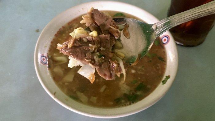 Soto Pak Yanto Krapyak, Irisan Daging Sapinya Super Lembut