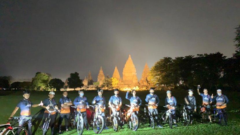 ASITA DIY dan PT Taman Wisata Candi Gelar Gowes Malam di Candi Prambanan