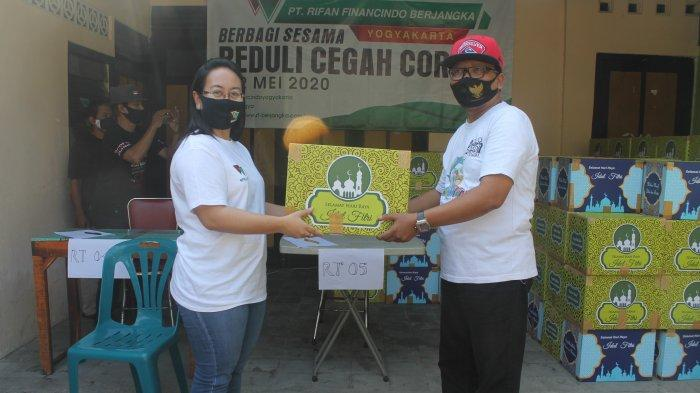 Peduli Covid-19, PT Rifan Financindo Berjangka Cabang Yogyakarta Salurkan 500 Paket Sembako