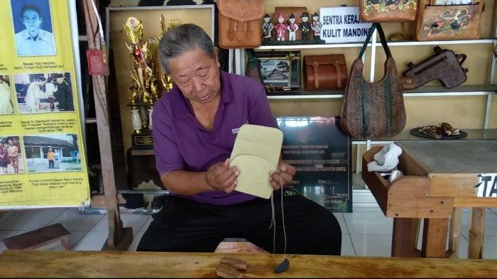 Menilik Sejarah Kerajinan Kulit dan Natah Timbul di Manding