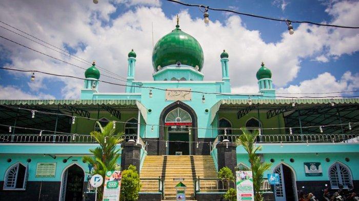 Beribadah Sambil Mengenang Jasa Pahlawan di Masjid Syuhada