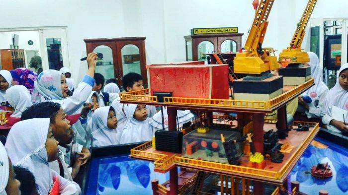 Museum Geoteknologi Mineral UPN Veteran Yogyakarta, Museum yang Didirikan Rektor Pertama