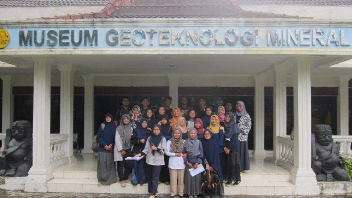 Koleksi Menarik di Museum Geoteknologi Mineral (GTM) UPN Veteran Yogyakarta