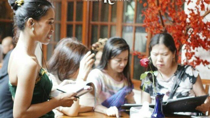Alasan Wajib Mampir ke The House of Raminten Jogja, Resto yang Kental Budaya Jawa