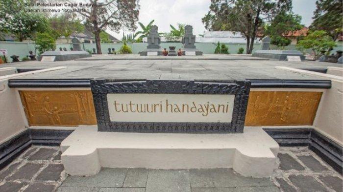 Makna Lima Tangga di Makam Ki Hajar Dewantara