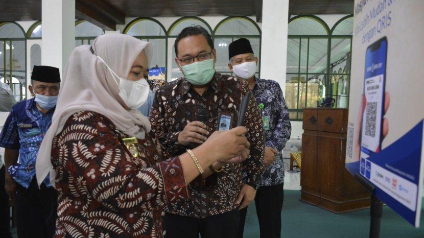 Pemkab Sleman Bersama Bank BPD DIY Meluncurkan Sistem Infak Masjid melalui QRIS