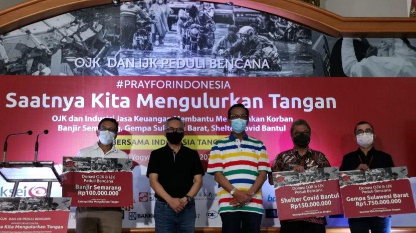 OJK dan IJK Peduli Bencana Salurkan Rp 4,29 Miliar untuk Bantu Penanganan Covid-19 dan Bencana Alam