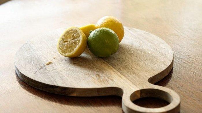 Tips Membersihkan dan Mencegah Noda Jamur pada Talenan