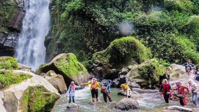 Liburan Ke Tempat Wisata Air Terjun Kedung Kayang, Berikut Jam Operasionalnya