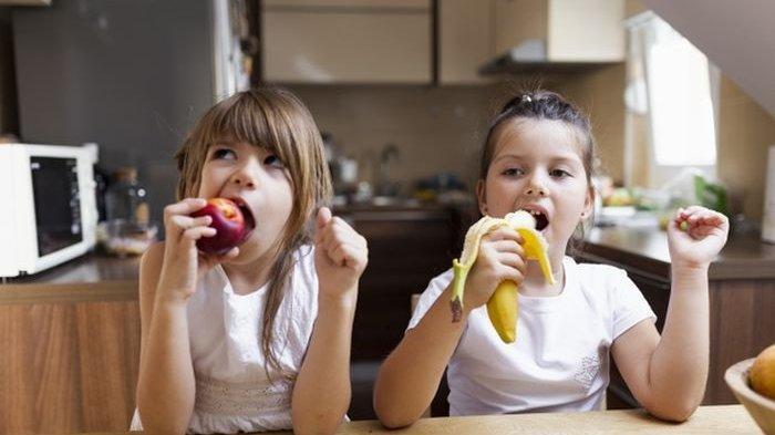 Membiasakan Anak Makan 3 Jenis Buah Ini, Lihat Manfaatnya untuk Tubuh Mereka