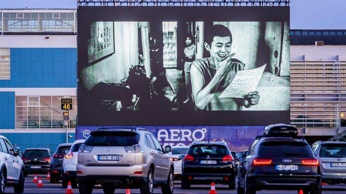 Di Semarang, Ada Bioskop Drive-in, Bisa Nonton Film Sambil Nikmati Senja di Dalam Mobil Pribadi