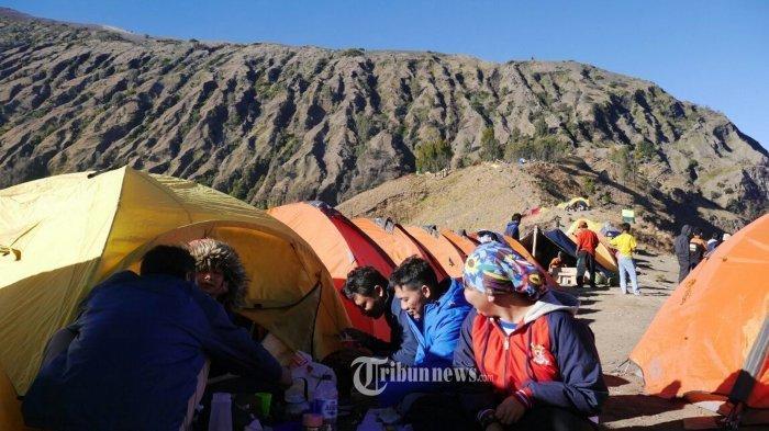 13 Tips Mendaki Gunung saat Musim Hujan, Hindari Berkemah