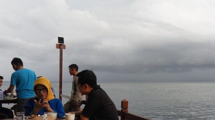 Waspada Gelombang Tinggi 4-6 Meter Selasa, 14 Juli, untuk Sejumlah Daerah di Perairan Indonesia