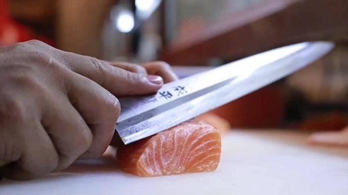 Setelah Digunakan Mengolah Makanan Mentah, Alat Dapur Wajib Langsung Dicuci, Ini Alasannya