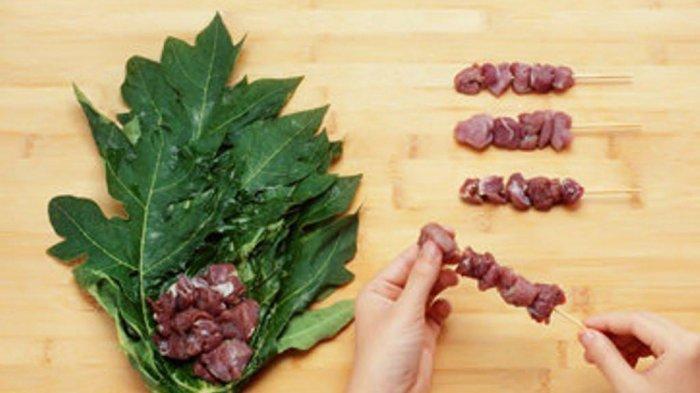 Gunakan Daun Pepaya untuk Memasak Daging, Lebih Empuk dan Menguatkan Rasa