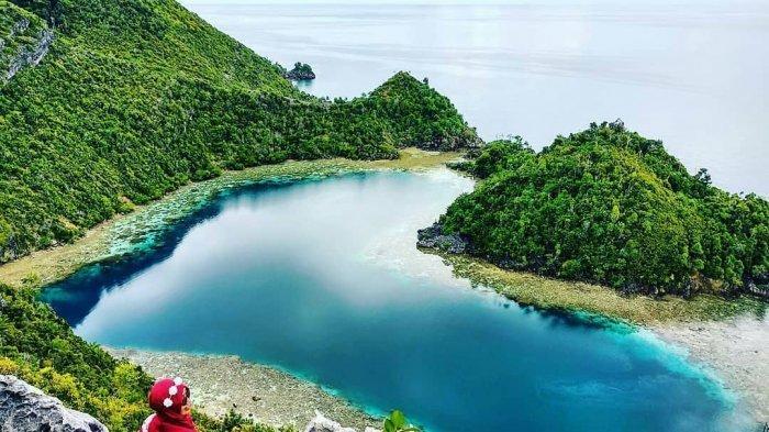14 Danau Berbentuk Hati di Berbagai Negara, Termasuk Danau Cinta di Indonesia