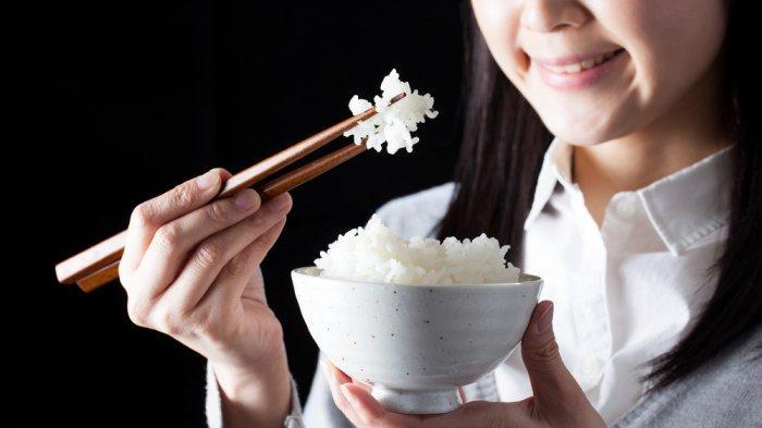 Merasa Belum Kenyang Kalau Belum Makan Nasi? Berikut Penjelasannya