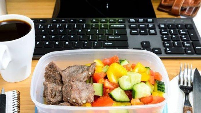 Meski Sedang Pandemi, Tinggalkan Kebiasaan Makan di Meja Kantor, Ini Alasannya