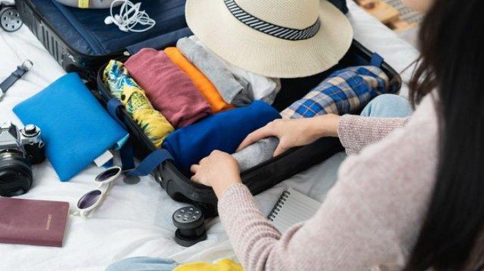 Tips Melipat Baju ala Backpacker, Bagasi Jadi Lebih Ringkas