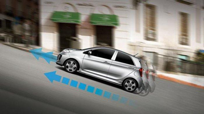 Cara Mengemudi Mobil Transmisi Matik di Jalan Menanjak