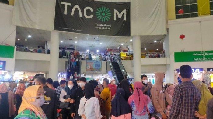 Prokes di Pasar Tanah Abang Diabaikan, Pedagang: Biasanya Pakai Masker Kalau Ada Petugas Aja