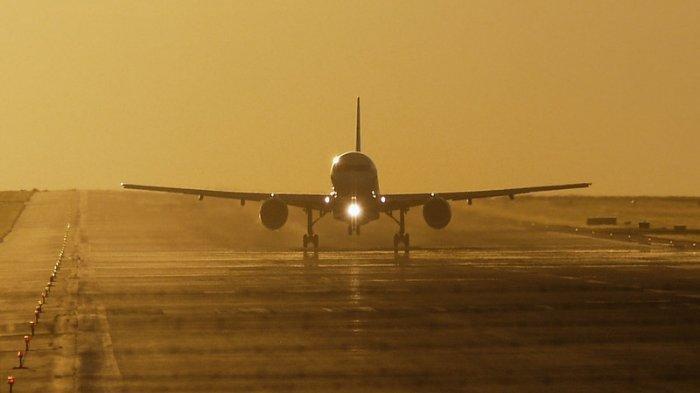 Kecelakaan Tragis, Pesawat Ini Tabrak Rumah Warga