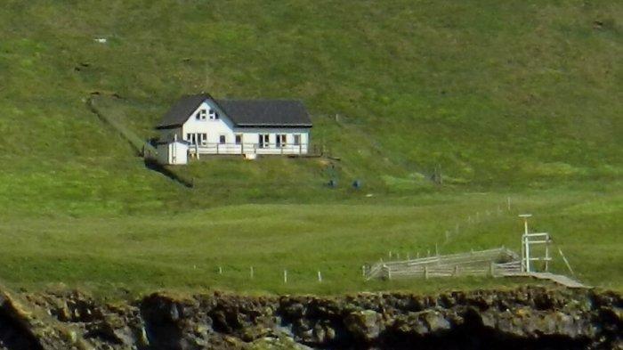Sudah Ada Sejak 1953 di Pulau Terpencil dan Tak Miliki Tetangga, Siapa Pemilik Rumah Misterius Ini?