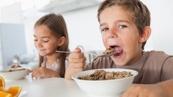 Anak Sarapan Sereal? Berikut Fakta Tentang Makanan Ringan Ini