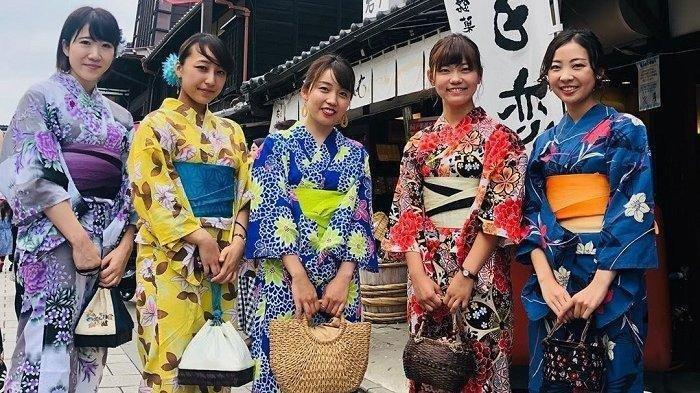 5 Barang Aneh yang Umum Dijual Mesin Penjual Otomatis di Jepang