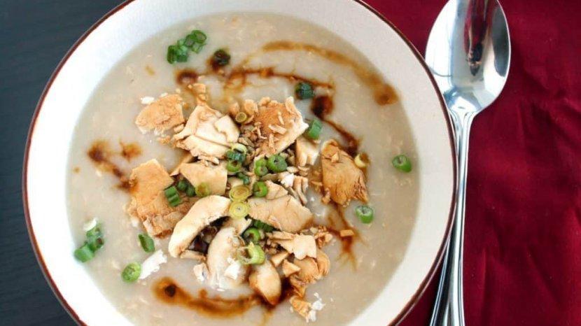 Bubur Ayam Menu Sarapan Favorit, Tapi Rendah Kalori dan Bikin Cepat Lapar