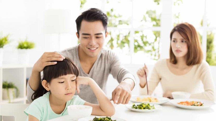Memaksa Anak untuk Menghabiskan Makanan Berdampak Buruk untuk Si Kecil