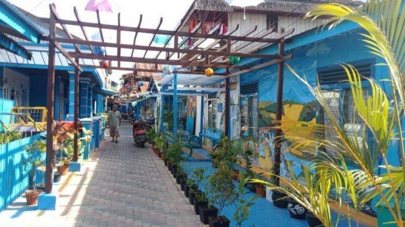 Awalnya Hanya Kampung Kumuh di Samarinda, Kini Kampung Biru Jadi Objek Wisata