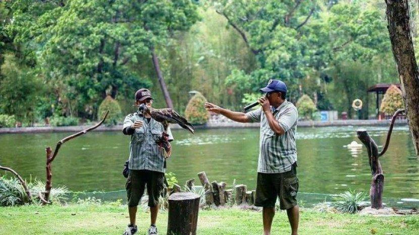 Jumlah Pengunjung Dibatasi, Berikut Harga Tiket & Syarat Masuk ke Kebun Binatang Gembira Loka