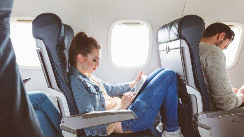 Sering Mabuk Perjalanan? Solusinya Pilih Kursi yang Tepat di Pesawat