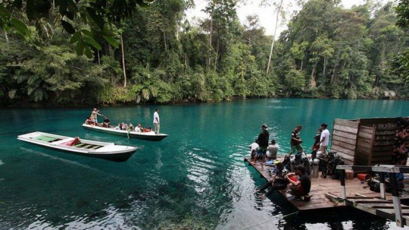 7 Danau dengan Air Biru dan Jernih, Salah Satunya Ada di Kaltim