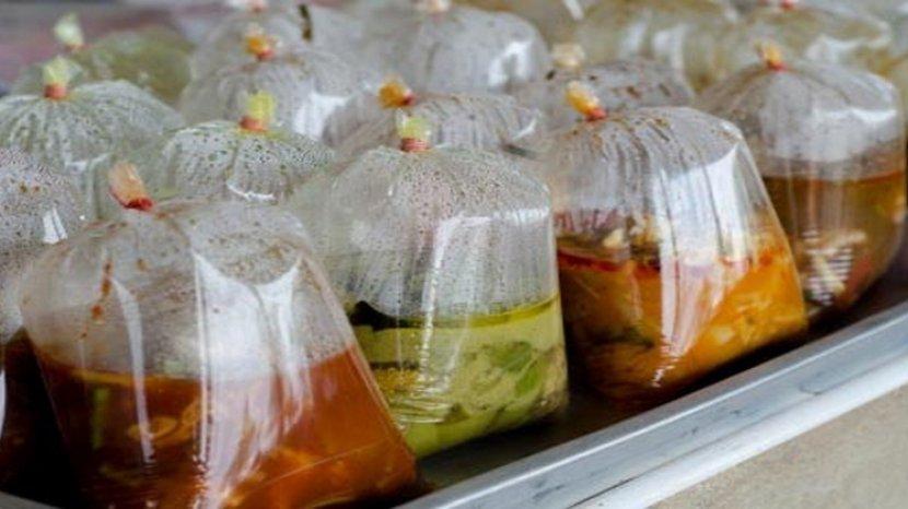 Bahaya di Balik Makanan Panas dalam Kantong Plastik