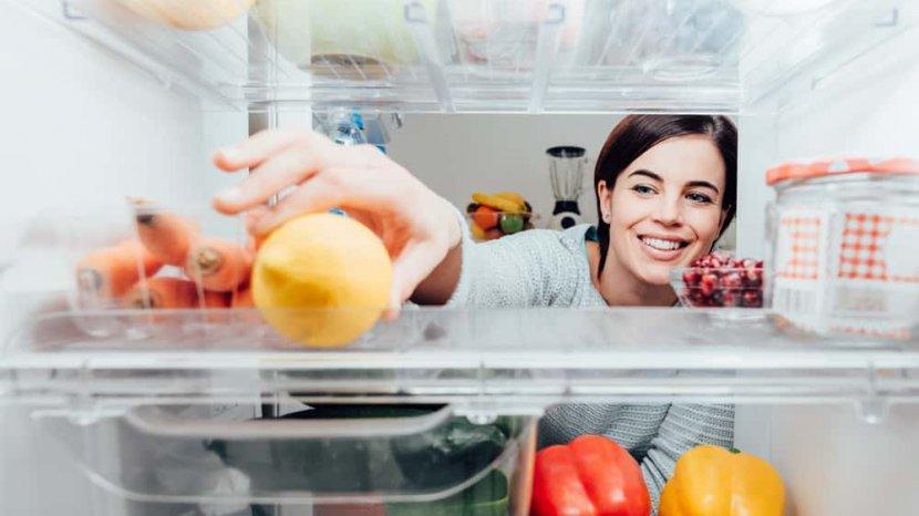 Cara Mudah Membersihkan Bunga Es di Kulkas, Ikuti 3 Langkah Ini