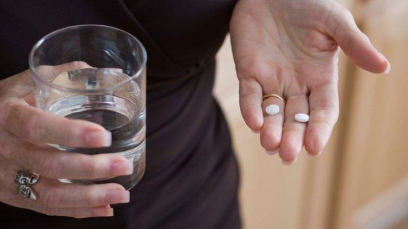 Obat Jenis Ini Wajib Diminum dengan Air Putih