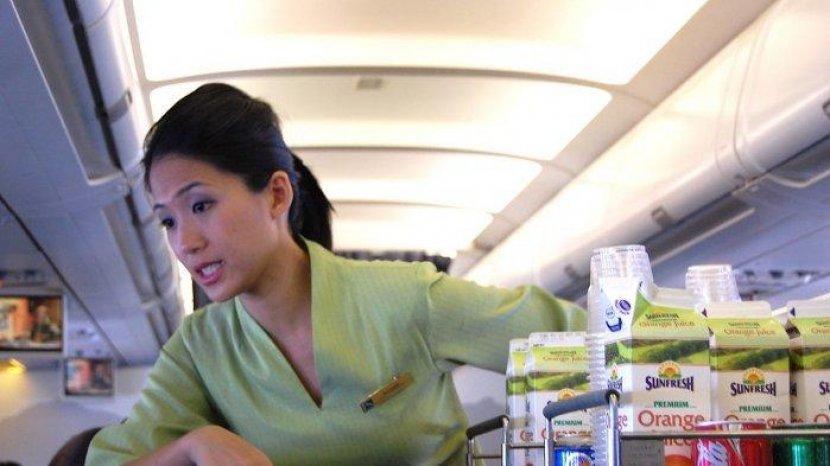 Pakar Makanan Menganjurkan Penumpang Tidak Langsung Terima Makanan Gratis di Pesawat
