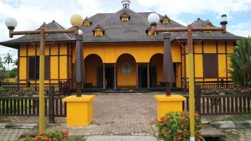 Wisata Sejarah Kerajaan Gunung Tabur di Kabupaten Berau