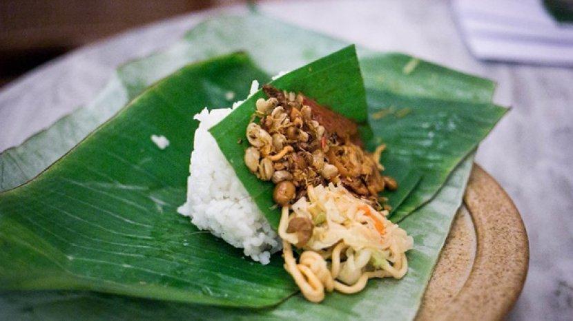 Jadi Makanan Khas di Angkringan, Berikut 5 Fakta Unik Nasi Kucing