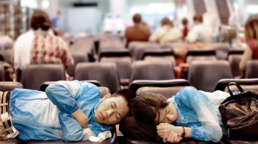 Jaga Daya Tahan Tubuh, Tips Tidur Nyenyak di Pesawat