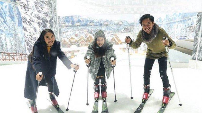 Ada Objek Wisata Salju di Indonesia, Ini Lokasi dan Tarif Masuknya