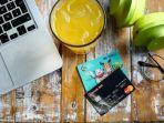 ilustrasi-belanja-online-dengan-kartu-kredit.jpg