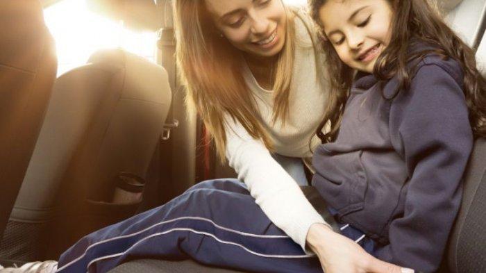 Tips Aman Bagi Ibu Muda yang Bawa Anak Saat Berkendara