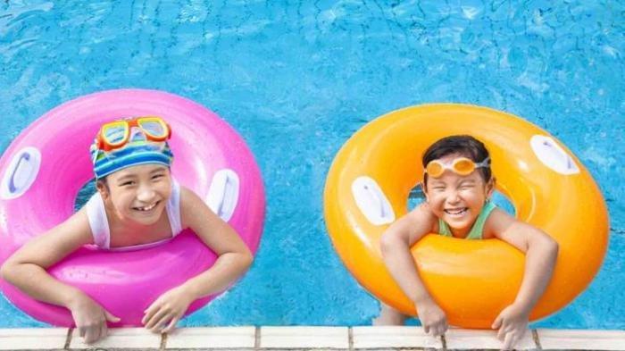 3 Manfaat Ajarkan Anak Berenang Sejak Dini